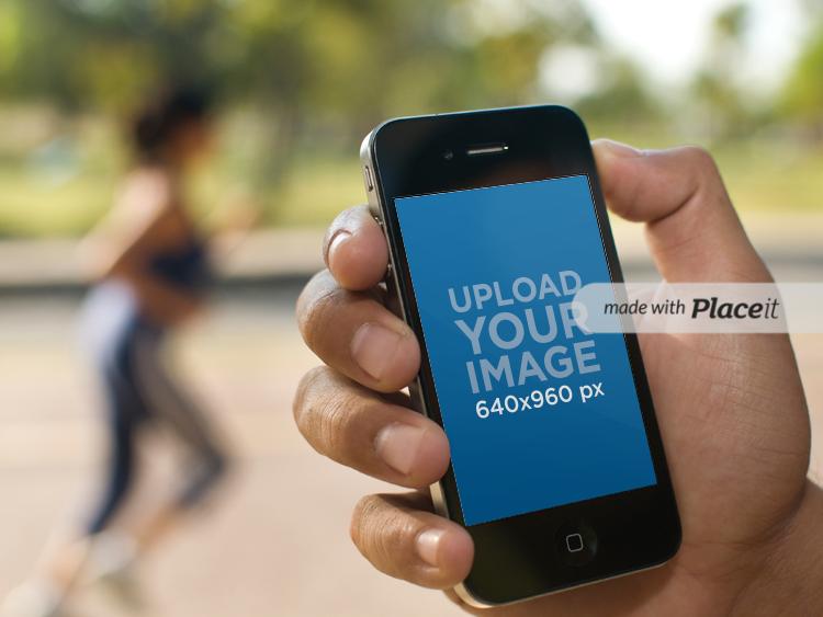 Black iPhone 4 Jogging